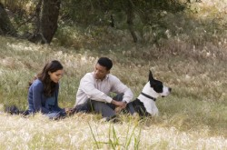 rosario-dawson-will-smith-dog1