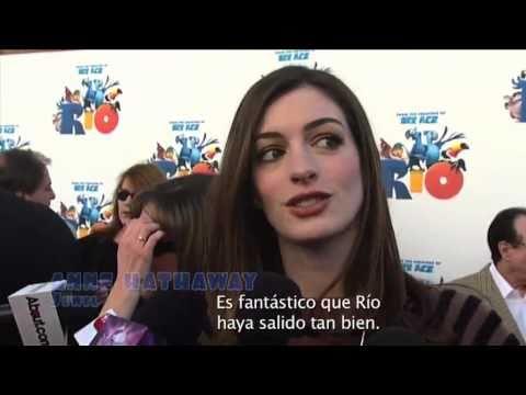 20th Century Fox y Rovio Mobile anuncian una asociación que une Angry Birds con la película de animación del año: Rio. Anne Hathaway, Carlos Saldanha y George Lopez hablan sobre el acuerdo