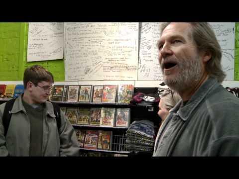 El Gran Lebowski en una tienda de merchandising de El Gran Lebowski