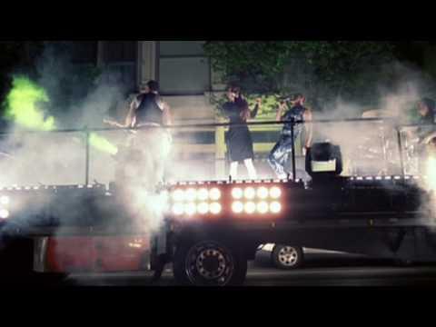 La canción del día: Scissor Sisters – Fire With Fire