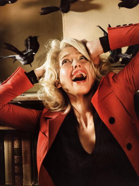 Jessica Alba en remakes de películas de miedo