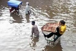 Servicio de taxi incluso en inundaciones